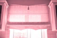 Παράθυρο με κουρτίνες στοκ εικόνα