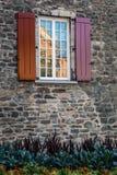 Παράθυρο με τα παραθυρόφυλλα. Στοκ Φωτογραφίες