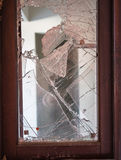 Παράθυρο με το σπασμένο γυαλί Στοκ Εικόνες