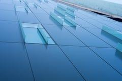 Παράθυρο ντεκόρ γυαλιού στο εταιρικό κτήριο Στοκ Εικόνες