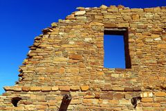 Παράθυρο ουρανού Pueblo del Arroyo, εθνικό ιστορικό πάρκο φαραγγιών Chaco, Νέο Μεξικό Στοκ εικόνες με δικαίωμα ελεύθερης χρήσης
