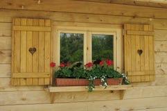 παράθυρο πλαισίων ξύλινο Στοκ εικόνες με δικαίωμα ελεύθερης χρήσης