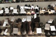 Παράθυρο που ψωνίζει για τα παπούτσια Στοκ Εικόνα