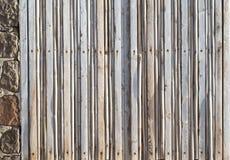Παράθυρο πολλές λεπτές σανίδες του ξύλου που κλείνει που καταναλώνονται από από το άλας Στοκ εικόνες με δικαίωμα ελεύθερης χρήσης