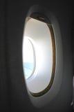 Παράθυρο σε ένα αεροπλάνο Στοκ φωτογραφίες με δικαίωμα ελεύθερης χρήσης