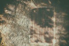 Παράθυρο σπιτιών σπαδίκων Στοκ φωτογραφία με δικαίωμα ελεύθερης χρήσης