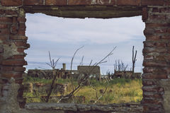 Παράθυρο στις καταστροφές στοκ φωτογραφία με δικαίωμα ελεύθερης χρήσης