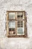 Παράθυρο στον άσπρο τοίχο Στοκ εικόνες με δικαίωμα ελεύθερης χρήσης