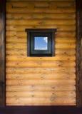 παράθυρο τοίχων ξύλινο Στοκ Φωτογραφία