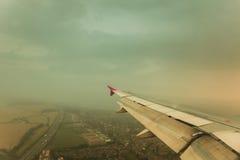 παράθυρο όψης αεροπλάνων 1 πτήση s πουλιών Στοκ φωτογραφία με δικαίωμα ελεύθερης χρήσης