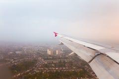 παράθυρο όψης αεροπλάνων 1 πτήση s πουλιών Στοκ Εικόνες
