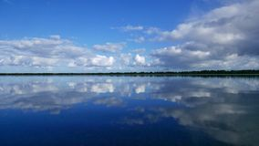Παράκτια αντανάκλαση Στοκ εικόνα με δικαίωμα ελεύθερης χρήσης