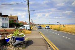 Παράκτια οδική lydd--θάλασσα Dungeness Ηνωμένο Βασίλειο στοκ εικόνα