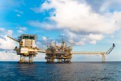 Παράκτια πλατφόρμα πετρελαίου και φυσικού αερίου Στοκ Φωτογραφίες