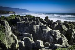 Παράκτιες απόψεις και βράχοι της Νέας Ζηλανδίας δ Υ Στοκ Εικόνα