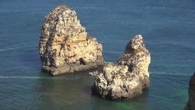 παράκτιος βράχος σχηματι&si απόθεμα βίντεο