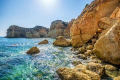 Παράκτιο τοπίο στο Αλγκάρβε στην Πορτογαλία στοκ εικόνες