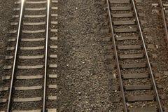 Παράλληλες γραμμές σιδηροδρόμων στοκ εικόνα