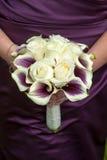 Παράνυμφος με τη γαμήλια ανθοδέσμη Στοκ εικόνες με δικαίωμα ελεύθερης χρήσης
