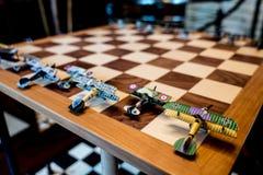 Παράξενη διπλή σκακιέρα με τα πρότυπα αεροσκαφών Στοκ φωτογραφία με δικαίωμα ελεύθερης χρήσης