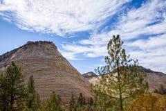 Παράξενο Checkerboard Mesa σχηματισμού βράχου στοκ εικόνες