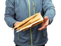 Παράδοση φακέλων επιστολών ταχυδρομείου Στοκ Φωτογραφίες