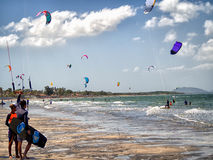 Παρέλαση Kitesurfing Στοκ Φωτογραφίες