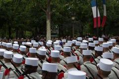 Παρίσι, Γαλλία - 14 Ιουλίου 2012 Στρατιώτες από τη γαλλική ξένη λεγεώνα Μάρτιος κατά τη διάρκεια της ετήσιας στρατιωτικής παρέλασ Στοκ φωτογραφία με δικαίωμα ελεύθερης χρήσης