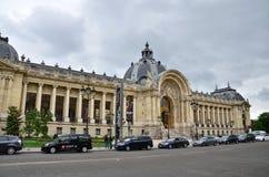 Παρίσι, Γαλλία - 14 Μαΐου 2015: Μεγάλο παλάτι επίσκεψης τουριστών (μεγάλο Palais) στο Παρίσι Στοκ Εικόνες
