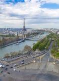 Παρίσι, Γαλλία, στις 28 Μαρτίου 2017: Ο πύργος του Άιφελ από τον ποταμό Σηκουάνας Παρίσι Στοκ φωτογραφία με δικαίωμα ελεύθερης χρήσης