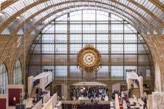 Παρίσι, Γαλλία, στις 28 Μαρτίου 2017: Το Λούβρο στο Παρίσι μια ηλιόλουστη ημέρα Στοκ φωτογραφία με δικαίωμα ελεύθερης χρήσης