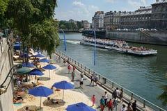 Παρίσι-κηλίδες ηλίου και bateaux-Mouches Παρίσι Γαλλία Στοκ Εικόνες