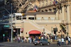 Παρίσι Λας Βέγκας, ξενοδοχείο του Παρισιού και χαρτοπαικτική λέσχη, πλήθος, πόλη, ανθρώπινη τακτοποίηση, κεντρικός Στοκ εικόνες με δικαίωμα ελεύθερης χρήσης