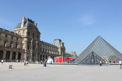 Παρίσι Λούβρο Στοκ φωτογραφία με δικαίωμα ελεύθερης χρήσης
