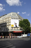 Παρίσι, στις 15 Ιουλίου: Είσοδος του Λαφαγέτ Galeries από το Παρίσι στη Γαλλία Στοκ Εικόνες