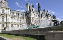 Παρίσι, στις 17 Ιουλίου: Κτήριο Δημαρχείων από το Παρίσι στη Γαλλία Στοκ Φωτογραφία