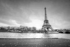 Παρίσι στο παράθυρο Στοκ Εικόνες