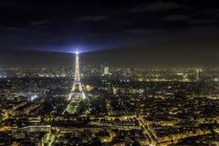 Παρίσι τή νύχτα Στοκ εικόνα με δικαίωμα ελεύθερης χρήσης