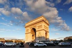 Παρίσι, Arc de Triumph το βράδυ, Γαλλία Στοκ εικόνα με δικαίωμα ελεύθερης χρήσης