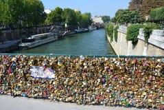 Παρίσι - Pont de l'Archeveche Στοκ φωτογραφία με δικαίωμα ελεύθερης χρήσης