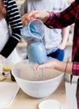 Παραγωγή εργαστηρίων της κεραμικής ζωγραφικής προϊόντων επιτραπέζιου σκεύους Στοκ Εικόνα