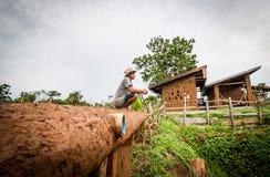 Παραγωγή στεγών σπιτιών λάσπης Στοκ εικόνα με δικαίωμα ελεύθερης χρήσης