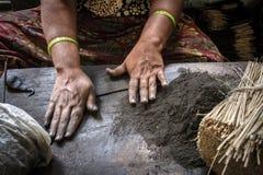 Παραγωγή του θυμιάματος στο Mysore Στοκ Φωτογραφία