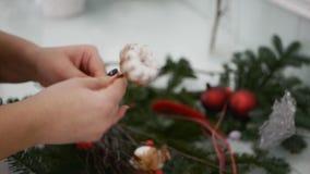 Παραγωγή του ντεκόρ Χριστουγέννων φιλμ μικρού μήκους