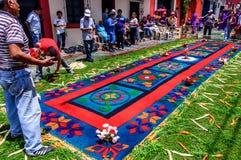 Παραγωγή του παραχωρήσώνταυ πομπικού τάπητα, Αντίγκουα, Γουατεμάλα Στοκ Φωτογραφία