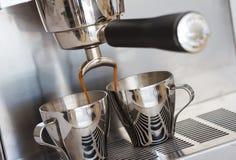 Παραγωγή του espresso Στοκ Εικόνες