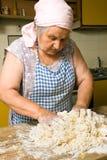 παραγωγή των ζυμαρικών Στοκ φωτογραφία με δικαίωμα ελεύθερης χρήσης