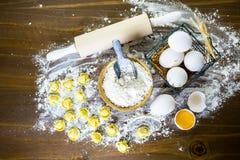παραγωγή των ζυμαρικών Στοκ Φωτογραφίες