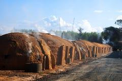 παραγωγή φούρνων ξυλάνθρα&ka Στοκ εικόνα με δικαίωμα ελεύθερης χρήσης