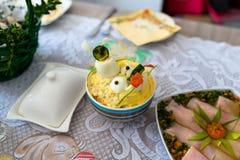 Παραδοσιακά ανατολικο-ευρωπαϊκά γεύματα επ' ευκαιρία Πάσχας στοκ εικόνες
